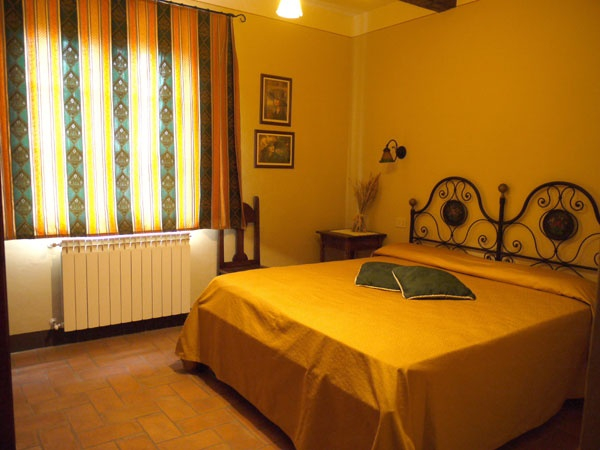 Bed breakfast le rondini chiusi chianciano terme arezzo for A bed and breakfast
